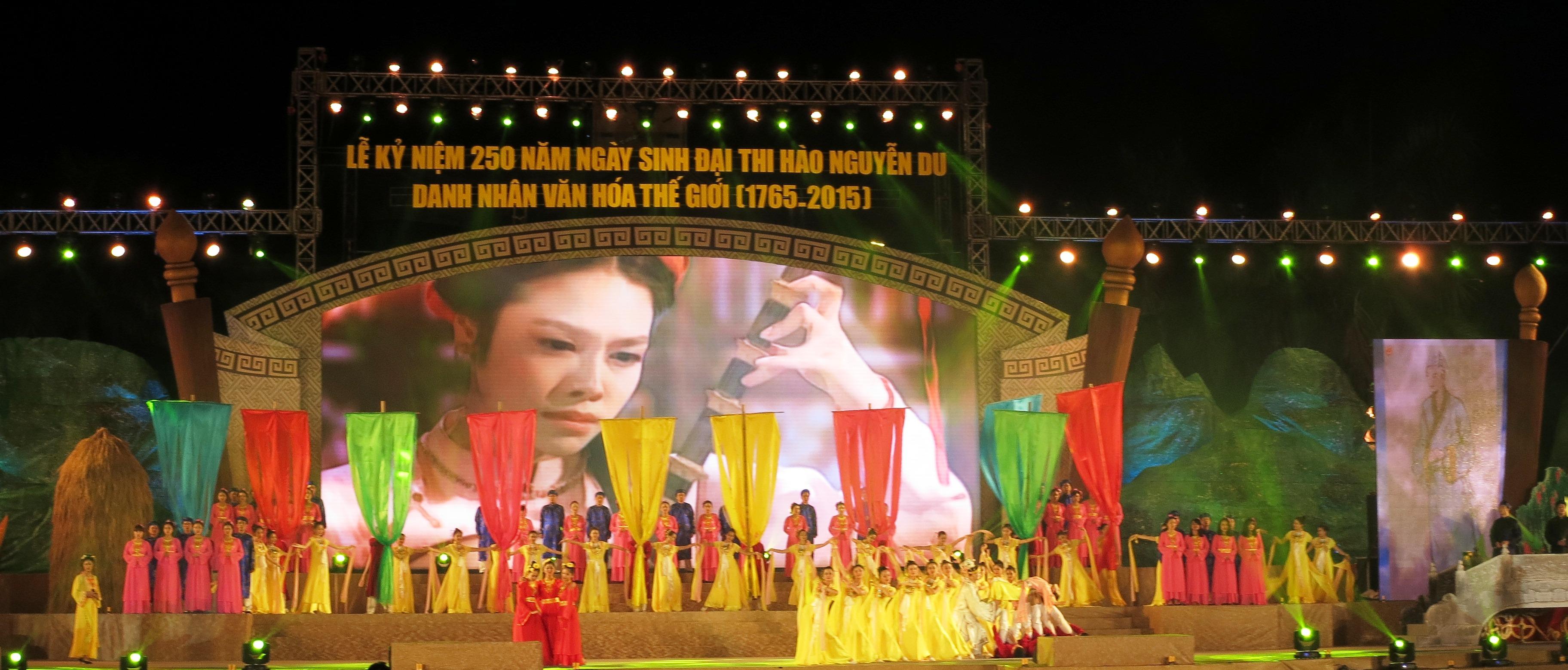 Long trọng kỷ niệm 250 năm Ngày sinh Đại thi hào Nguyễn Du
